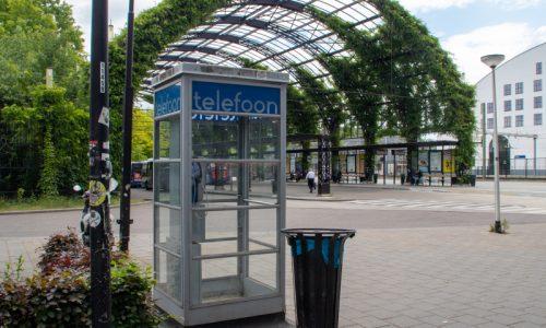 Spoorsingel - Telefooncel bij busstation - 9 - Ilse
